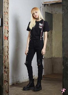 Image uploaded by Lisa B. Find images and videos about kpop, blackpink and lisa on We Heart It - the app to get lost in what you love. Blackpink Lisa, Blackpink Fashion, Korean Fashion, Looks Rock In Rio, Mode Outfits, Sport Outfits, Lisa Black Pink, Black Pink Kpop, Kim Jisoo