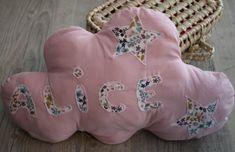 Coussin nuage lumineux avec prénom - Un grand marché Backrest Pillow, Onesies, Pillows, Kids, Small Quilts, Night Light, Young Children, Boys, Babies Clothes