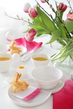 Dip Dye easter table setting in neon pink made by Trendenser.se