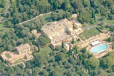 A Villa Leopolda, localizada na França, pertence à brasileira Lily Safra. A propriedade foi construída pelo Rei Leopoldo II e tem um valor estimado de US$ 750 milhões. 26 jan 2015