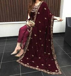 Trouser suit ladies for wedding. Ouser suits for ladies. Ouser suits for petite ladies. Pakistani Fashion Party Wear, Pakistani Wedding Outfits, Pakistani Couture, Bridal Outfits, Bollywood Fashion, Pakistani Dresses, Indian Dresses, Indian Outfits, Indian Fashion