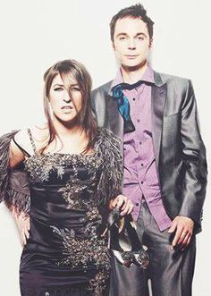 Wow, that's Sheldon (Jim Parsons) & Amy (Mayim Bialik) from The Big Bang Theory. Big Bang Theory, The Big Theory, The Big Bang Therory, Sheldon Amy, Mayim Bialik, Jim Parsons, Fandoms, Jim Moriarty, Bigbang