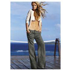 Photo of American fashion model Brooklyn Decker. Brooklyn Decker, Swim Cover Ups, Vs Swim, Girls In Love, Linen Pants, Runway Models, Model Photos, Celebrity Photos, Female Models