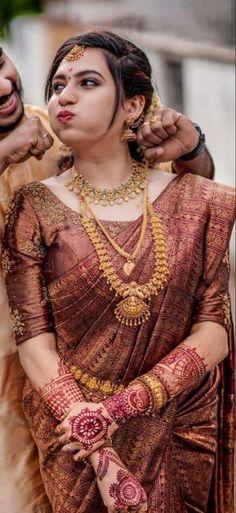 Kerala Wedding Saree, South Indian Wedding Saree, Indian Bridal Sarees, Indian Bridal Outfits, Indian Bridal Fashion, Kerala Saree, Punjabi Wedding, Indian Weddings, Romantic Weddings