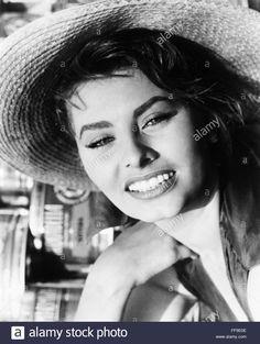 SOPHIA LOREN (1934- ). /NItalian attrice Foto & Immagine Stock: 95480238 - Alamy