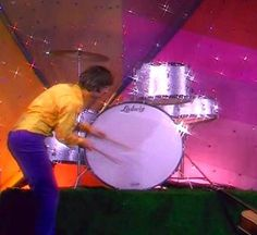 Ringo bass drum solo http://www.ringosbeatlekits.com/other_percussion