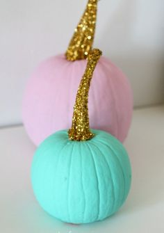 Put Your Carving Tools Away And Diy One Of These Easy Painted Pumpkins Instead 76 Easy Painted Pumpkins Ideas No Carve Halloween Pumpkin Painting Amp Decorating Ideas Holidays Halloween, Fall Halloween, Halloween Crafts, Halloween Party, Halloween Ideas, Cute Halloween Decorations, Halloween Labels, Halloween Images, Halloween Halloween