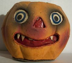 Rare German Jack-O-Lantern with teeth  Photo by riptheskull