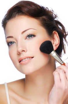 Young or old, these tried and true makeup application tricks will help you maintain a perfect face at every age. You can call these tips the Fountain of (Flawless Face) Youth. Blush Makeup Tips, Blush Tips, Diy Wedding Makeup, Diy Makeup, Makeup Tricks, Learn Makeup, Bridal Makeup, Flawless Face Makeup, Flawless Skin