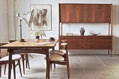 RY20 Cabinet (teak) by Hans J. Wegner for RY mobler