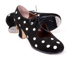Cristina #Flamenco #shoes for professional #dance. Choose the color combination of shoe and polka dots you want