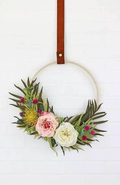 Brighten up your home with a DIY spring wreath for your front door! I've gathered some beautiful farmhouse style wreath ideas that are easy DIY spring crafts you'll be sure to love! Diy Spring Wreath, Diy Wreath, Spring Crafts, Wreath Ideas, Tulle Wreath, Winter Wreaths, Holiday Wreaths, Wreath Hanger, Hula Hoop