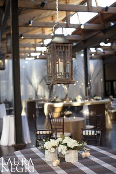 checkered cloth and lanterns    planning by TOAST  photo: laura negri