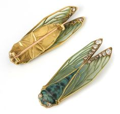 A gold and enamelled brooch in the form of a cicada, ca. 1902. Rene Lalique (1860-1945) You can see how delicate the plique a jour on the w...