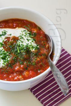 CharlottenBlog: Nachschlag, bitte: Aprikosen-Tomaten-Suppe mit Zimtjoghurt