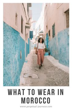 What to wear in Morocco as a female traveler: Outfit ideas & tips. Source by mereleighme outfit ideas Marrakech Travel, Morocco Travel, Tangier Morocco, Morocco Fashion, Vacation Outfits, Travel Outfits, Travel Packing, Winter Travel Outfit, Travel Style