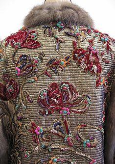 Backside of a coat by Oscar de la Renta, fall/winter 2004-2005.