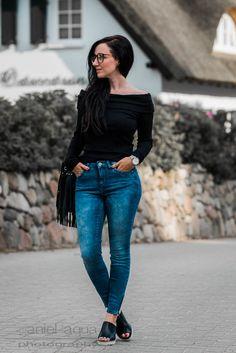 Der Off-Shoulder Trend : Black, Denim & Tamaris Mules