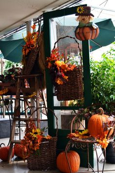 No door is immune from Fall decor!