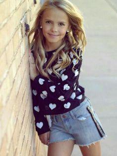 Young Girl Fashion, Preteen Girls Fashion, Kids Fashion, Little Girl Models, Child Models, Beautiful Young Lady, Beautiful Girl Image, Beautiful Little Girls, Pretty Girls