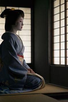 geiko 芸妓 Gion Higashi 祇園東 Miharu 美晴 KYOTO JAPAN