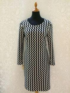 Line2Line model K243 - Stilfuld, elegant og så alligevel anderledes. Passer til mange forskellige lejligheder. #occasional Sewing Patterns, High Neck Dress, Dresses With Sleeves, Women's Fashion, Elegant, Long Sleeve, Easy, Inspiration, Turtleneck Dress