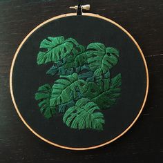 Monstera leaves on black linen : Embroidery