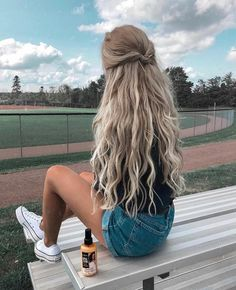 Long Hairstyles Cute Hairstyles Easy Hairstyles Winter Hairstyles Spring Hairstyles 2019 Hairstyles Gorgeous HairstylesQuick Hairstyles hairstyles for school 36 Cute and Easy Long Hairstyles for Winter and Spring - Page 3 of 36 Easy Hairstyles For Long Hair, Spring Hairstyles, Braided Hairstyles, Hairstyle Ideas, Hairstyle Tutorials, Simple Hairstyles For School, Long Blonde Hairstyles, Long Wavy Hairstyles, Style Hairstyle