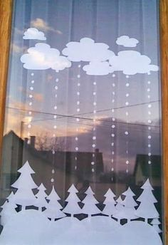 15 Wonderful Christmas Window Decoration Ideas You Need To Try – HomelySmart - Bastelideen Weihnachten Christmas Window Decorations, School Decorations, Christmas Door, Winter Christmas, All Things Christmas, Christmas Time, Christmas Windows, Christmas Crafts, Christmas Ornaments