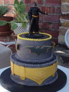 Johnny would love a Batman birthday cake!