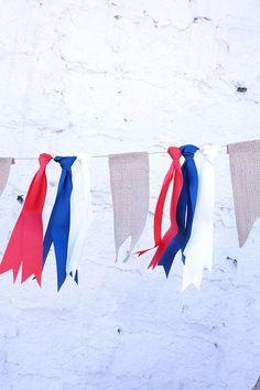 Guirnalda de tela blanco, azul y rojo Chile Independence Day, Chilli Festival, Halloween Decorations, Christmas Decorations, Patriots Day, Bastille Day, Patriotic Party, Ideas Para Fiestas, July Crafts