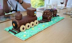 Pasteles en forma de tren - Dale Detalles