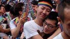 """La Corte Suprema de Taiwán acaba de declarar inconstitucional la ley que afirma que """"personas del mismo sexo no pueden entrar en un matrimonio legal""""."""
