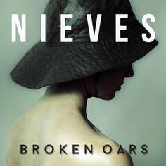 Sehnsüchtiger Indie-Pop mit einer Spur Drama.. Neues von NIEVES :)  http://whitetapes.com/streams/nieves-neue-single-broken-oars-im-stream