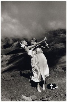 Helmut Newton, Patti Hansen and Rene Russo, U.S. 'Vogue', Maui, Hawaii 1974