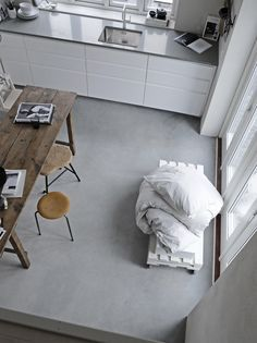 """Meet Stylist Pella Hedeby and See Her """"Soft Minimalist"""" Home in Sweden Home Interior, Kitchen Interior, Interior Design, Interior Modern, Kitchen Furniture, Decoration Bedroom, Room Decor, Pella Hedeby, Turbulence Deco"""