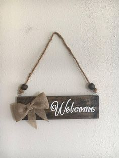 Welcome pallet wood sign burlap bow