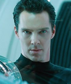 Benedict as Khan from Star Trek : Into Darkness (2013).
