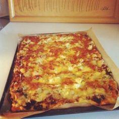 Savory Pastry, Hawaiian Pizza, Lasagna, Food Inspiration, Cheese, Baking, Ethnic Recipes, Bakken, Backen