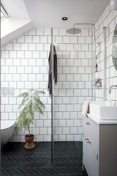 my scandinavian home: 10 Ways To Turn a Pokey Top . my scandinavian home: 10 Ways To Turn a Pokey Top Floor Flat Into A Swoon-Worthy Living Space / black and white bathroom Small Attic Bathroom, Black Bathroom Decor, Bathroom Decor Pictures, Black White Bathrooms, Loft Bathroom, White Bathroom Tiles, Upstairs Bathrooms, Bathroom Interior Design, Bathroom Flooring
