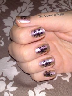 The Queen of Nails ~ Yellow-pink chameleon nails with a stamped black snow flake