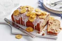 There's a surprising ingredient in this banana cake recipe – banana peel! Find more banana cake recipes at Tesco Real Food. Loaf Recipes, Best Cake Recipes, Bbc Good Food Recipes, Banana Bread Recipes, Yummy Food, Dried Banana Chips, Dried Bananas, Overripe Bananas, Food Cakes
