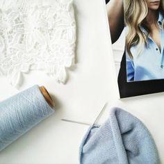💙 Сама нежность и облачная легкость 💙 ⤵ 100% мягчайший итальянский кашемир  #loropiano #lpcashmere ⤵ 100% сделано вручную и с любовью ⤵… Easy Knitting, Couture Facile