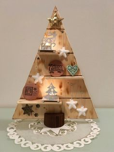 Merry Christmas Tree Single by WoodCraftDesignbyMZ on Etsy Christmas Wood Crafts, Wood Christmas Tree, Merry Christmas, Christmas Decorations, Christmas Shopping, Design Crafts, Creative, Handmade, Etsy