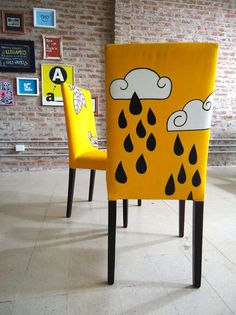 Express your self hey hey hey chair! Graffiti Furniture, Art Furniture, Upholstered Furniture, Unique Furniture, Furniture Makeover, Furniture Design, Funky Painted Furniture, Painted Chairs, Recycled Furniture