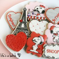 Snoopy in Paris Valentine's Day cookies