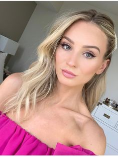 The Most Creative and Unique Celebrity Makeup Looks – My hair and beauty Beach Wedding Makeup, Wedding Hair And Makeup, Bridal Makeup, Engagement Hairstyles, Wedding Hairstyles, Engagement Photo Makeup, Engagement Pictures, Engagement Session, Lauren Bushnell