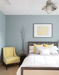 Blue and yellow bedroom paint ideas modern bedroom boutique hotel style blue yellow white home decorations ideas diy Gray Bedroom, Trendy Bedroom, Modern Bedroom, Bedroom Decor, Bedroom Yellow, Wall Decor, Bedroom Furniture, Nice Bedroom Colors, Bedroom Bed
