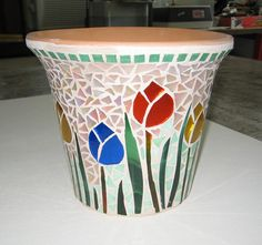Free Mosaic Patterns for Beginners - Bing Images Mosaic Planters, Mosaic Vase, Mosaic Flower Pots, Mosaic Wall Art, Mosaic Tiles, Glass Planter, Free Mosaic Patterns, Stained Glass Patterns, Mosaic Crafts