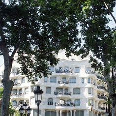 Buenos Días Barcelona! reserva tu estancia en el centro de la ciudad condal: www.thesuites.es #barcelona #navidad #lifestyle #thesuites #nohotels